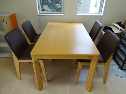 140824_table&chair_1.jpg