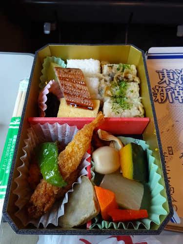 東海道新幹線弁当 (3).JPG